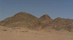 #91 : Crossing through the Egyptian desert to meet the Bedouin