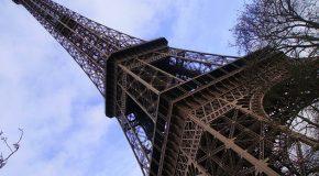 #210 : Grimper au sommet de la Tour Eiffel
