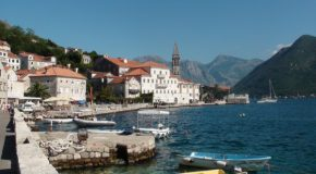 #267 : Basking on the terraces of the Venetian palaces in Perast
