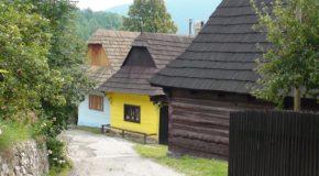 #242 : Visiter le village de bois de Vlkolinec