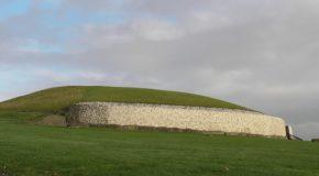 "#291 : Exploring the ""passage tomb"" of Newgrange"