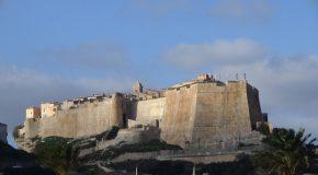 #357 : Visiter Bonifacio la ville la plus méridionale de France