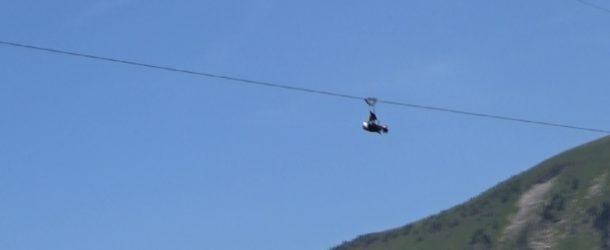 #353 : Atteindre 100 km/h en tyrolienne
