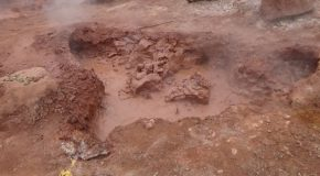 #423 : Exploring the volcanic mudpots of Hervideros