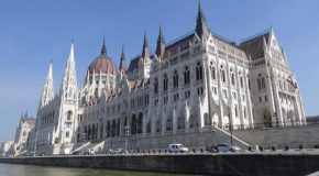 #452 : Visiting the district of Pest in Budapest