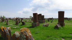 #495 : Observer les plus beaux khatchkars d'Arménie à Noradouz