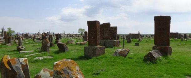 #495 : Observing the most beautiful khatchkars of Armenia in Noradouz