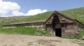 #492 : Visiting the Caravanserai of Selim in Armenia