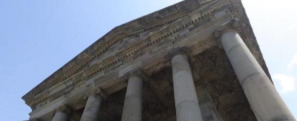 #490 : Visiter le temple de Mithra de Garni en Arménie