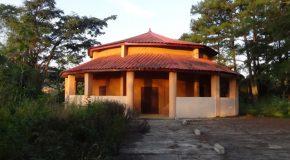 #554 : Visiter la case à Palabre de Dalaba en Guinée