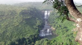 #552 : Observing the most beautiful waterfalls in Kambadaga in Guinea