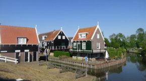 #595 : Visiter le village de pêcheurs de Marken au Pays-Bas