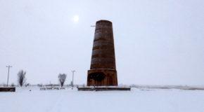 #609 : Gravir les escaliers de la tour Bourana au Kirghizistan