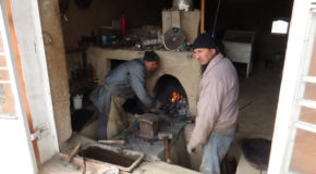 #615 : Admiring the know-how of Istaravchan's blacksmiths in Tajikistan