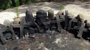 #710 : Faire des offrandes dans le sanctuaire maya de Pascual Abaj