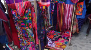 #701 : Strolling in the colorful market of Chichicastenango